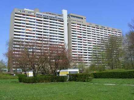 Wohnen im Grünen. Hochwertige 3,5-Zimmer-Wohnung im Stuttgarter Asemwald