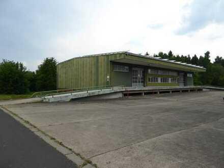 Rampenhalle mit elektrischer Toranlage für multifunktionale Nutzung