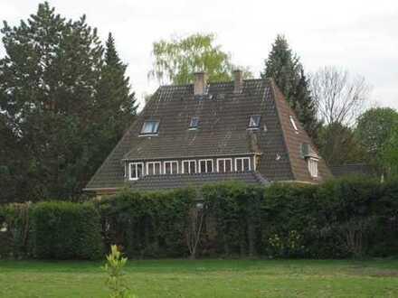 Preiswerte 5-Zimmer-Wohnung mit Balkon und EBK in Soest