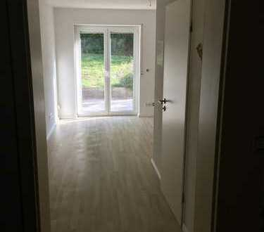 Frisch renovierte 1 Zimmer Wohnung mit Terrasse zu vermieten