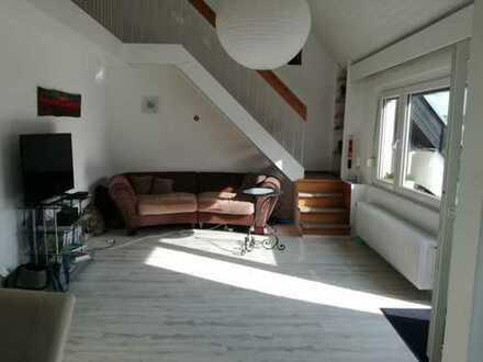 Exklusive, modernisierte 3-Zimmer-Maisonette-Wohnung mit Balkon und Einbauküche in Stuttgart Ost
