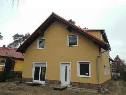 Schönes Haus mit vier Zimmern in Märkisch-Oderland (Kreis), Neuenhagen bei Berlin
