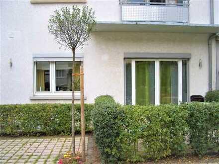 Für Paar oder Single: 2 Zi-EG-Wohnung mit EBK und Terrasse in Bessungen