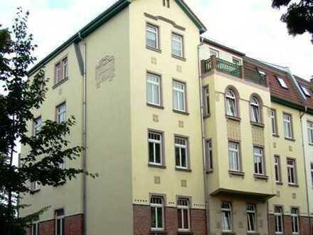 **schicke 1-Raum Wohnung mit Balkon, sep. Küche mit Einbauküche und Stellplatz im Hof in Marienthal*
