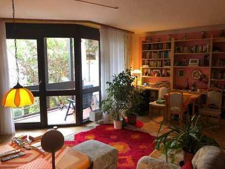 Für Kapitalanleger: Große 2-Zimmer-ETW mit Balkon, Terrasse & Tiefgaragenplatz