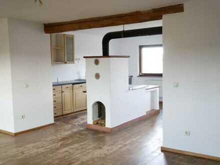 ländliches Wohnen - 4 Zimmer Wohnung in gepflegten Bauernhaus