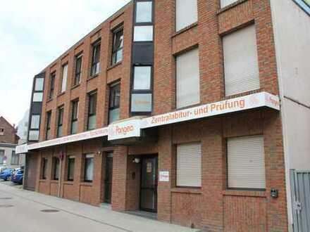 Komplettes Bürohaus in zentraler, ruhiger Lage zu vermieten - provisionsfrei direkt vom Eigentümer