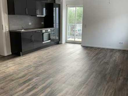 Erstbezug nach Sanierung mit Einbauküche und Balkon: schöne 2-Zimmer-Wohnung in Kusel