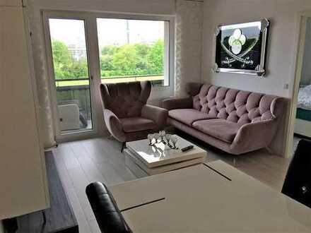 Sanierte 3,5-Zimmer-Wohnung mit Balkon und EBK in Eschborn