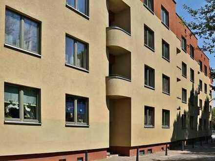 Schöne Altbauwohnung, nahe der Innenstadt, mit Balkon!