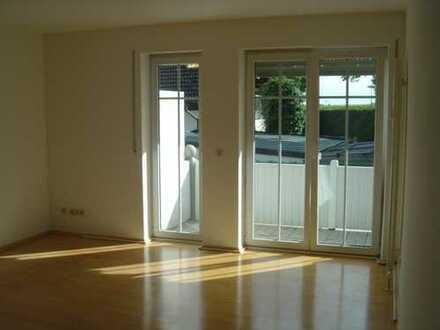 Gepflegte 3-Zimmer-Maisonette-Wohnung mit Balkon und EBK in Aichach