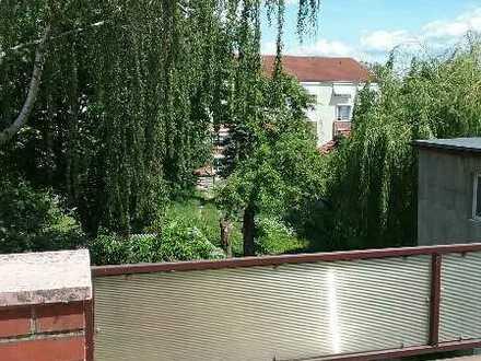 Helle 2-Zimmer-Terrassen-Wohnung im 1. OG
