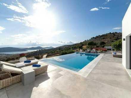 Luxuriöse einstöckige Villa mit Pool und Blick auf die Insel Spinalonga