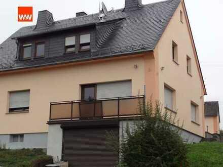Hochwertig modernisiertes Wohnhaus -  plus kleines Wohnhaus