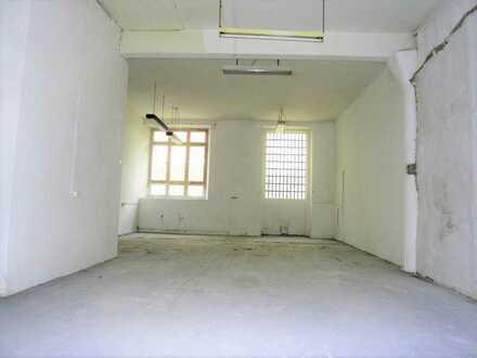 ~Lagerfläche für 3 Monate~ in altem Fabrikgebäude in der KA-Oststadt