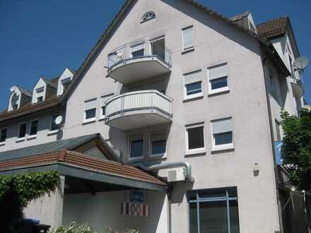 Modernisierte Dachgeschosswohnung mit zwei Zimmern sowie Balkon und EBK in Wehr