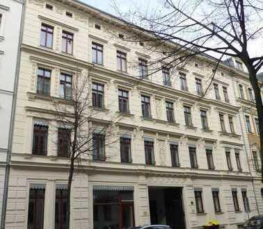 Moderne, neuwertige Wohnung mit großem Balkon im Waldstraßenviertel!