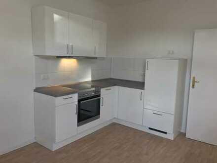 *NEU* WG-geeignete 2 Zimmer mit Einbauküche und Balkon am S-Bhf. Schönholz