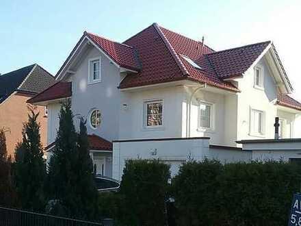 Stadtvilla, nah zum Bergedorfer Centrum *COURTAGEFREI*