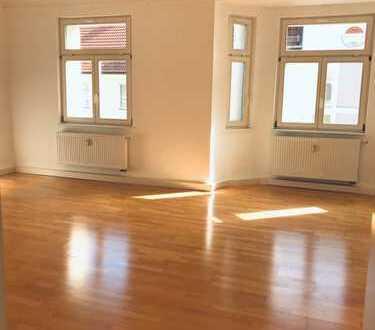 880 €, 83 m², 2 Zimmer