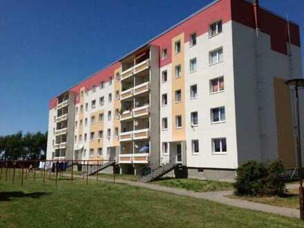 Ruhig wohnen im Grünen! 3 Zimmer mit Balkon frei!
