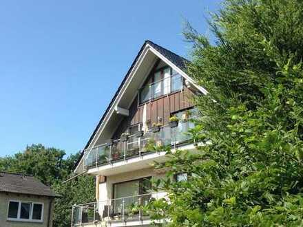 Helle 3-Zimmer Maisonettewohnung über den Dächern von Niendorf nahe des Niendorfer Geheges