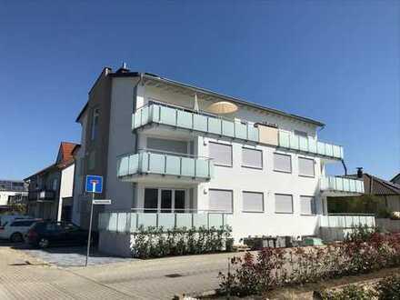 Erstbezug: Exklusive Neubau-Mietwohnung mit großem Balkon in ruhiger Lage in Karlsdorf