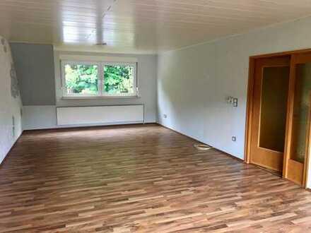 Große und helle 3-Zimmer-DG-Wohnung in Hagen kaum Dachschräge
