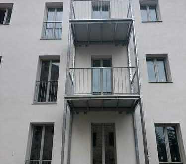 Erstbezug nach Sanierung: traumhafte 3 Zi-Wohnung mit Balkon!