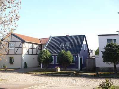 Freistehendes kleines Einfamilienhaus zu verkaufen
