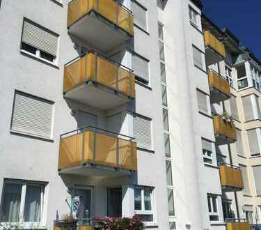 Universität/KIT-Nähe: Schöne 2- Zimmer Wohnung mit Balkon