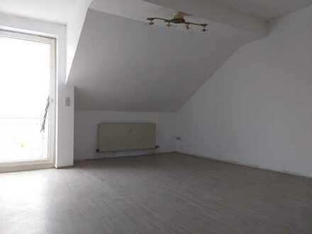 *2 ZKB-Dachgeschosswohnung in Kirn + Balkon*
