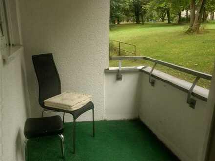 zwei helle Zimmer, Bad, Balkon möbliert in München, Feldmoching