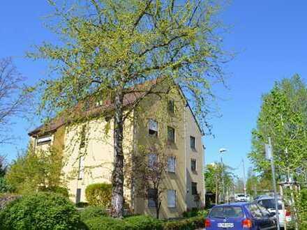 3,5-Zimmer-Terrassenwohnung mit Garten und EBK in Stuttgart