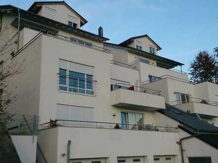 Luxuriöse Penthouse-Wohnung mit großem Balkon, Terrasse zum Garten, Whirlpool, Bodenheizung,...