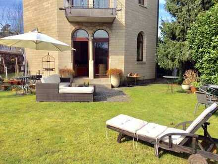*** Freistehendes EFH aus Kalksandstein, mit Garten und Pkw-Stplz. in Köln-Porz