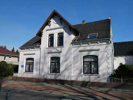 Fünf-Zimmer-Wohnung mit Küche, Garage und Balkon in Arbergen