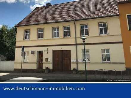 DEUTSCHMANN IMMOBILIEN ***** ivd - Vermietetes Wohn- und Geschäftshaus im Zentrum von Müncheberg!