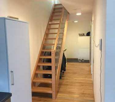 Neuwertige 3-Zimmer-Maisonette mit 22 qm Dachterrasse und EBK in Dinkelsbühl