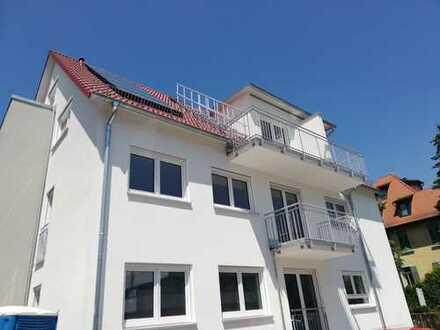 Rottenburg: Große,helle 4,5 Zimmerwohnung mit Balkon, 2 Bäder, Neubau, nur 4 Parteien im Ha