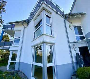 VON POLL: Exklusive 3,5-Zimmer-Terrassenwohnung in exponierter Hanglage von FR-Littenweiler