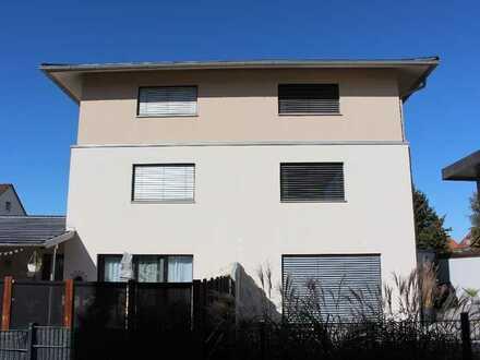 NEU! Modernes Stadthaus mit viel Charme - ideal für die Familie!