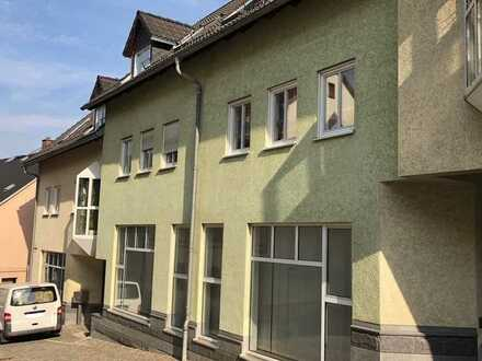 Große Gewerbeeinheit in Lichtenstein/Sa. sofort verfügbar