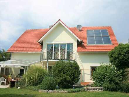 Freistehendes Einfamilienhaus (KFW-40) mit wunderschönem Garten