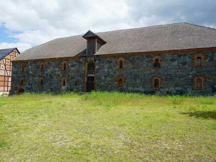 Ein zu vermietender Speicher als Lager- und Gewerberaum auf dem ehemaligen Gutshof von Jagow