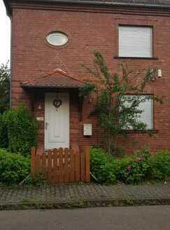 Schönes Backsteinhaus mit fünf Zimmern, Garten und Keller in Hanau, Musikerviertel