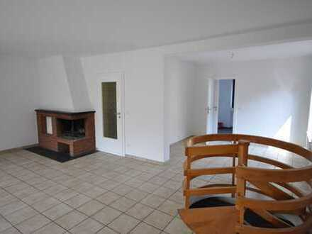 Schönes Haus mit sechs Zimmern in Bonn, Röttgen