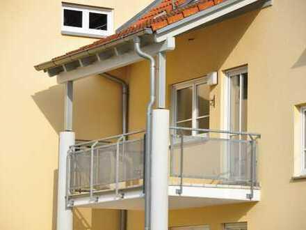 Gepflegte 2-Zimmer-Wohnung mit Balkon und Einbauküche in Kelheim