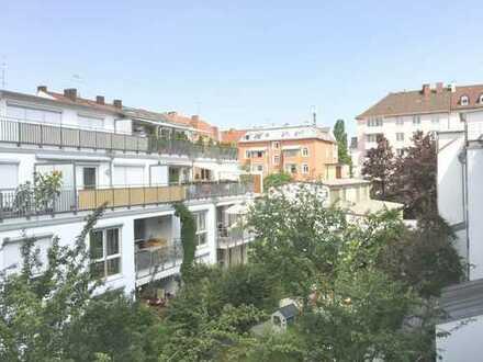 Sehr schöne, ruhige und helle 2-Zimmer-Wohnung, Theresienstraße Innenhof
