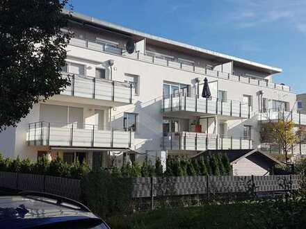 Stilsicher - exklusive 3-Zi.Wohnung mit XXL-Sonnenterrasse und TG-Platz im Ellental